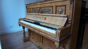 Klavier Bechstein in Vogelaugenahorn