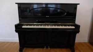Klavier Niendorf, schwarz