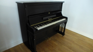 Klavier_thuermer_schwarz