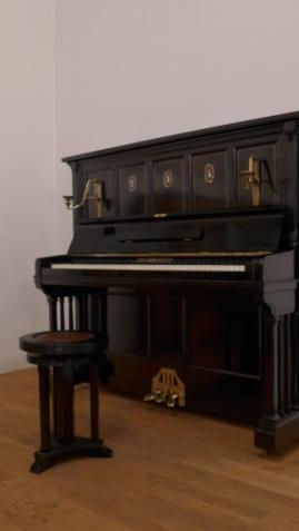 Klavier Bach Konzertklavier