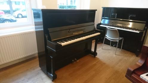 jordans_piano