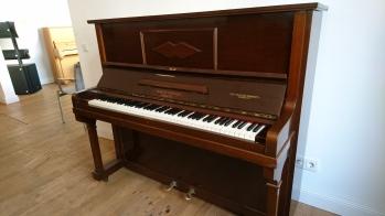 Klavier August Förster Modell 98