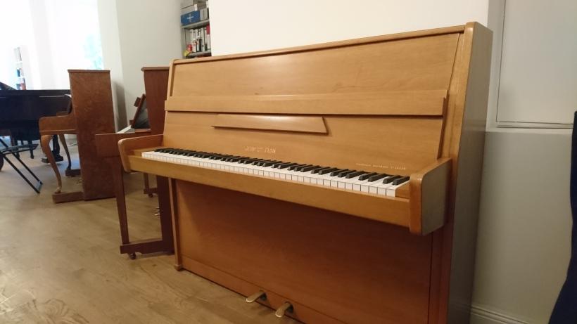 Klavier_schweiz_gebrauht