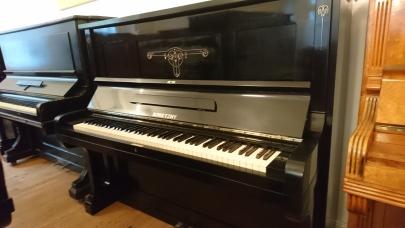 Klavier gebraucht von konetky