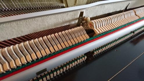 neuwertige_rennermechanik_klavier