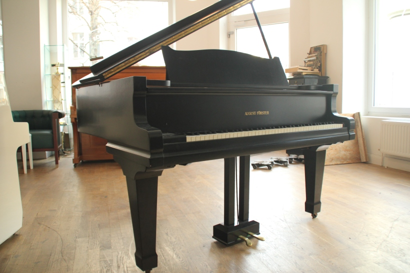 baby_grand_foerster