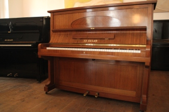 piano_seiler_brown