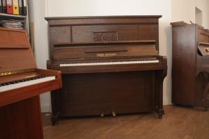 Klavier Hoffmann