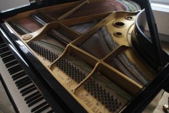 g2_Yamaha_piano