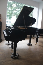 Yamaha_g2_grand_piano